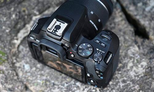 دوربین کانن 250D با لنز 55-18