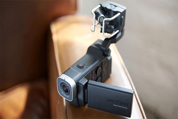 دوربین هندی کم Zoom Q8 Handy Video Recorder