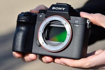 دوربین بدون آینه چیست ؟